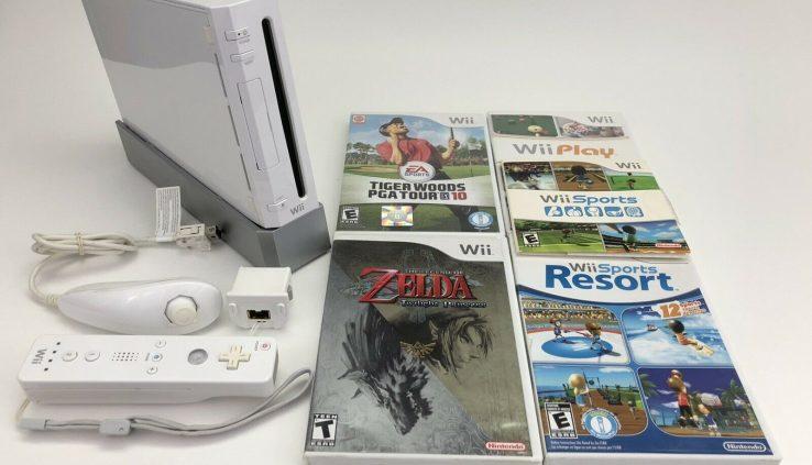 Nintendo Wii Console RVL-001 4 game bundle Zelda Twilight Princess Wii Sports