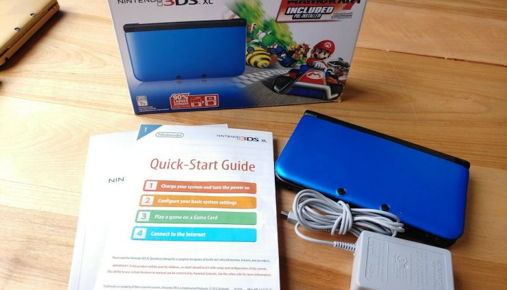 Nintendo 3DS XL Blue Mario Kart 7 Bundle with Field + Console + Charger