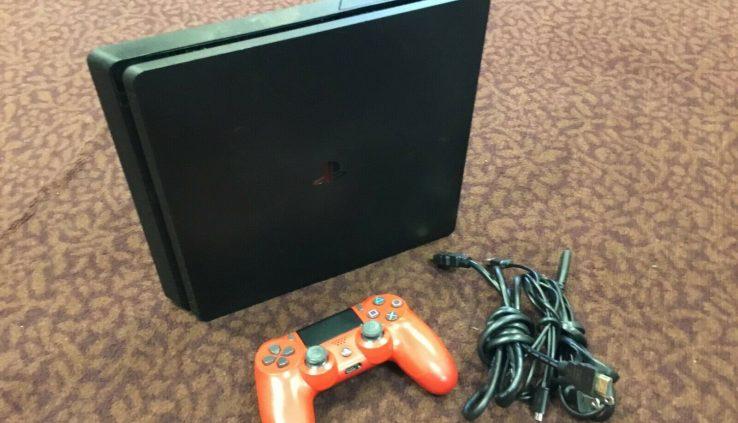 Sony Cuh-2215b Ps4 PS4 1TB  ships free!!!!!!!!!!!