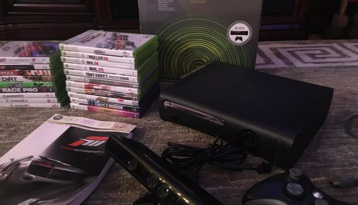 XBOX 360 ELITE 120GB + Kinect + 20 Games + Extras