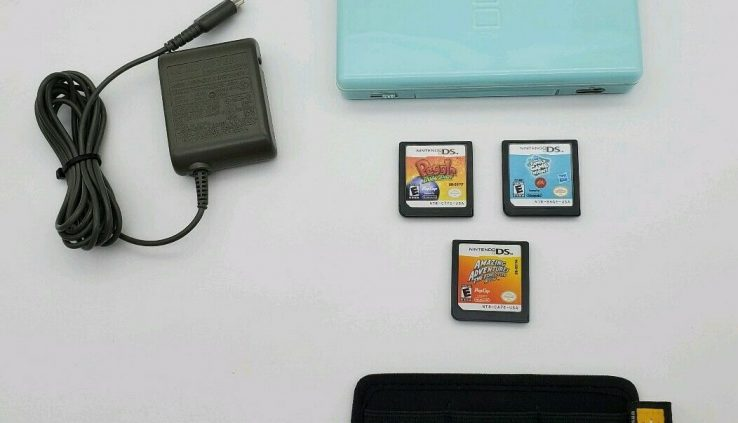 Nintendo DS Lite Ice Blue Machine Bundle