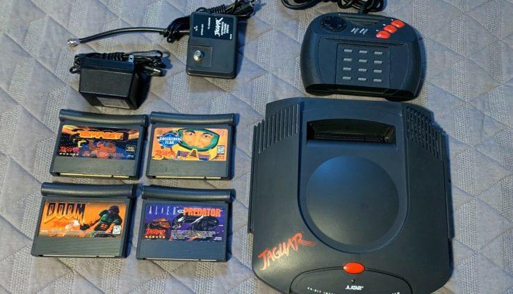Atari Jaguar 64 Bit Game System