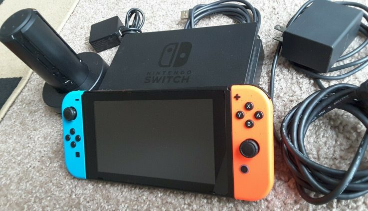 Nintendo Change HAC-001 Neon Crimson Neon Blue Joy-Cons with  extra charger