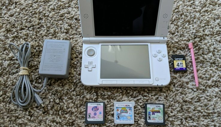 Nintendo 3DS XL Handheld Video Game Device Console SPR-001 Crimson + White Examined