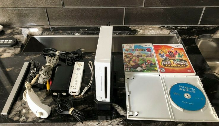 Nintendo Wii White Console Total Blueprint with 3 Video games! Mario Birthday party 8!