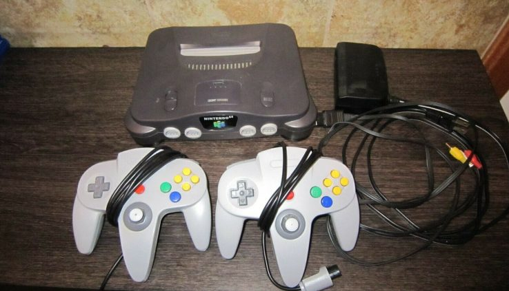 Nintendo 64 Console N64 Shadowy – (x2) Controllers and (x1) memory Card – Works!