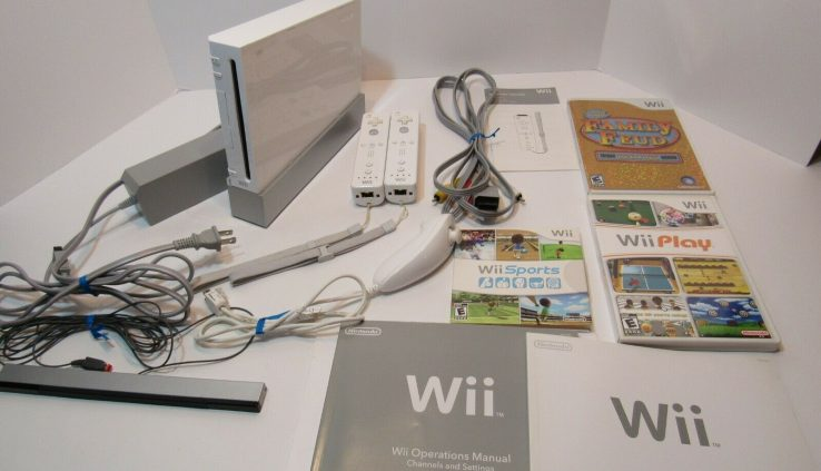 Nintendo Wii Plot RVL-001 with Wii Sports actions, Wii Play and Household Feud TESTED